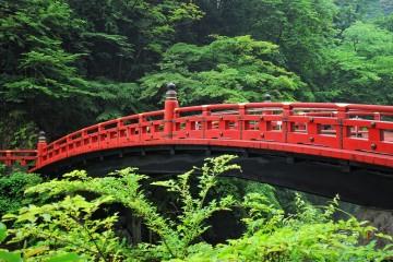 Cầu gỗ cong Shinkyo và truyền thuyết thần kiều
