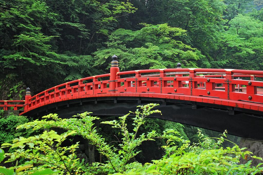cầu gỗ cong Shinkyo