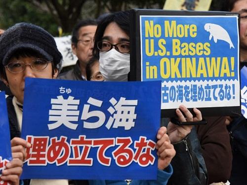 người dân nhật bản đối mỹ xây dựng căn cứ quân sự ở đảo Okinawa