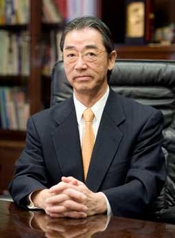 hiệu trưởng đại học Sojo