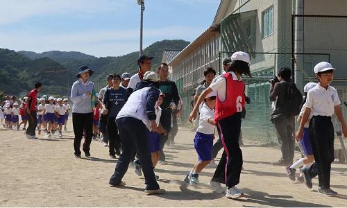 Nhật diễn tập sơ tán khi bị tên lửa Triều Tiên tấn công