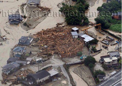 Mưa lũ kinh hoàng trong 5 ngày tại Nhật làm 18 người thiệt mạng