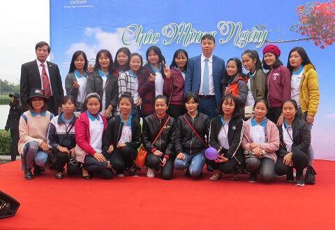 Bế mạc mít tinh chào mừng ngày nhà giáo Việt Nam 20/11