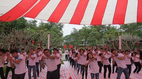 Tập thể các bạn học viên gửi đến tiết mục múa hát dành tặng cho thầy cô