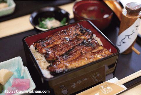 Món cơm lươn ở hồ Hamanako