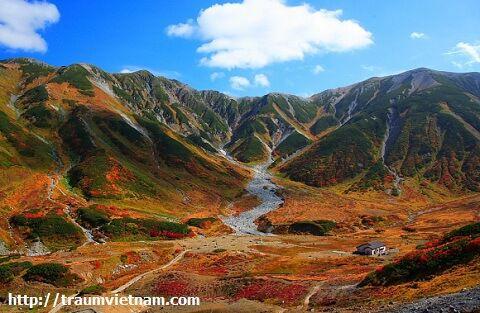 Dãy núi Tateyama ở Toyama Nhật Bản
