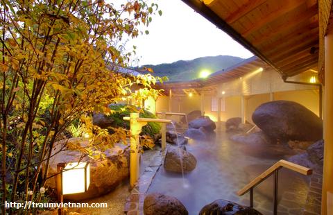 Suối nước nóng Atsumi Onsen