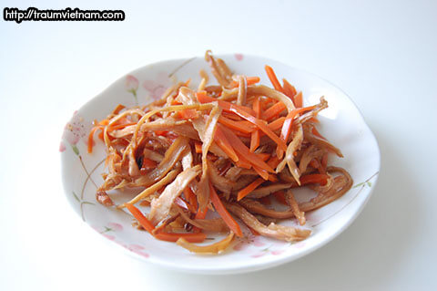 Ika Ninjin - mực muối chua với cà rốt