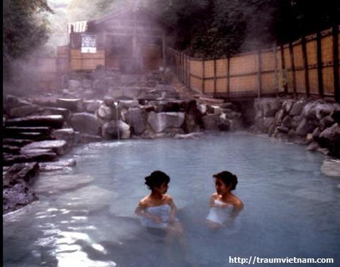 Suối nước nóng Kami-no-yama Onsen