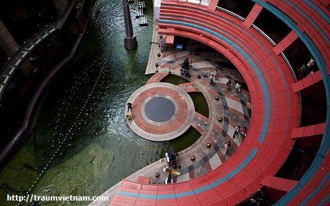 Hakata Canal City
