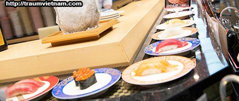 Sushi băng chuyền ở Kaitenzushi