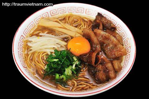 Mỳ Tokushima- đặc sản ở Tokushima Japan
