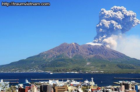 Núi lửaSakurajima - đặc trưng của tỉnh Kagoshima Nhật Bản